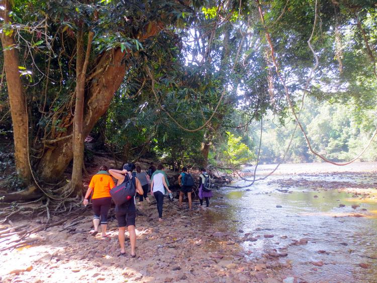 ラタバーゴ川遊び