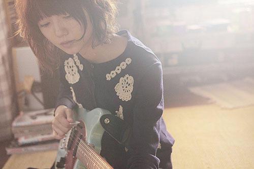 人 マッド の マックス ギター